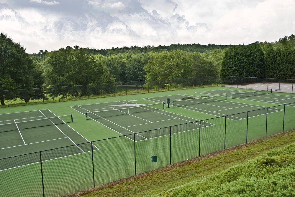 fencing around a tennis court